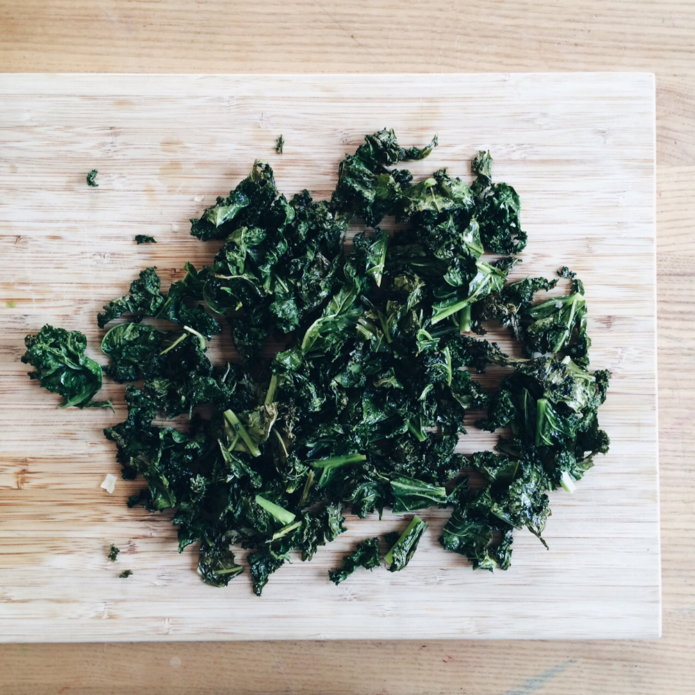 Kale_chips_recipe_littlekinjournal_8