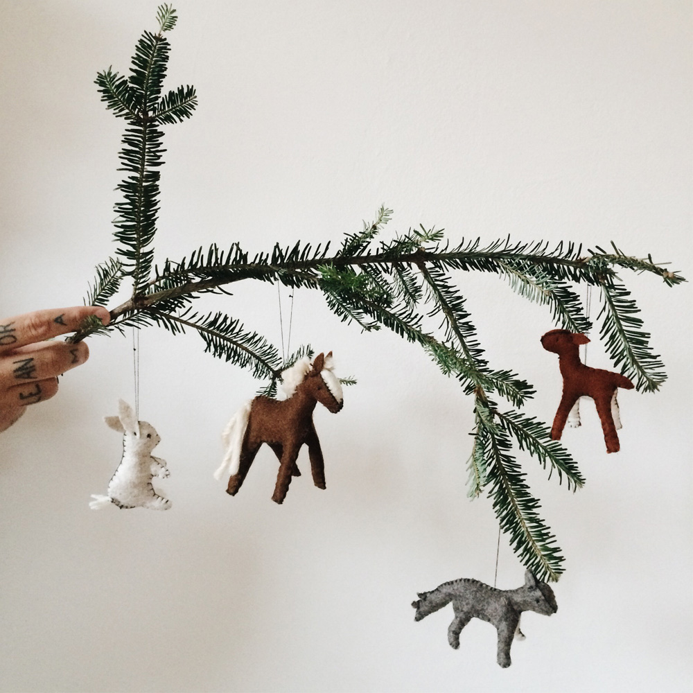felt_animal_ornaments_little_kin_journal_3